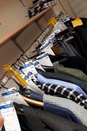 Vol kledingrek - Naai atelier Uden-Zuid